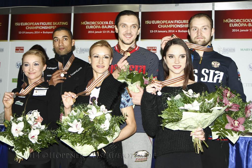 2 Aliona SAVCHENKO-Robin SZOLKOWY (GER) , 1 Tatiana VOLOSOZHAR-Maxim TRANKOV (RUS) , 3 Vera BAZAROVA-Yuri LARIONOV (RUS)